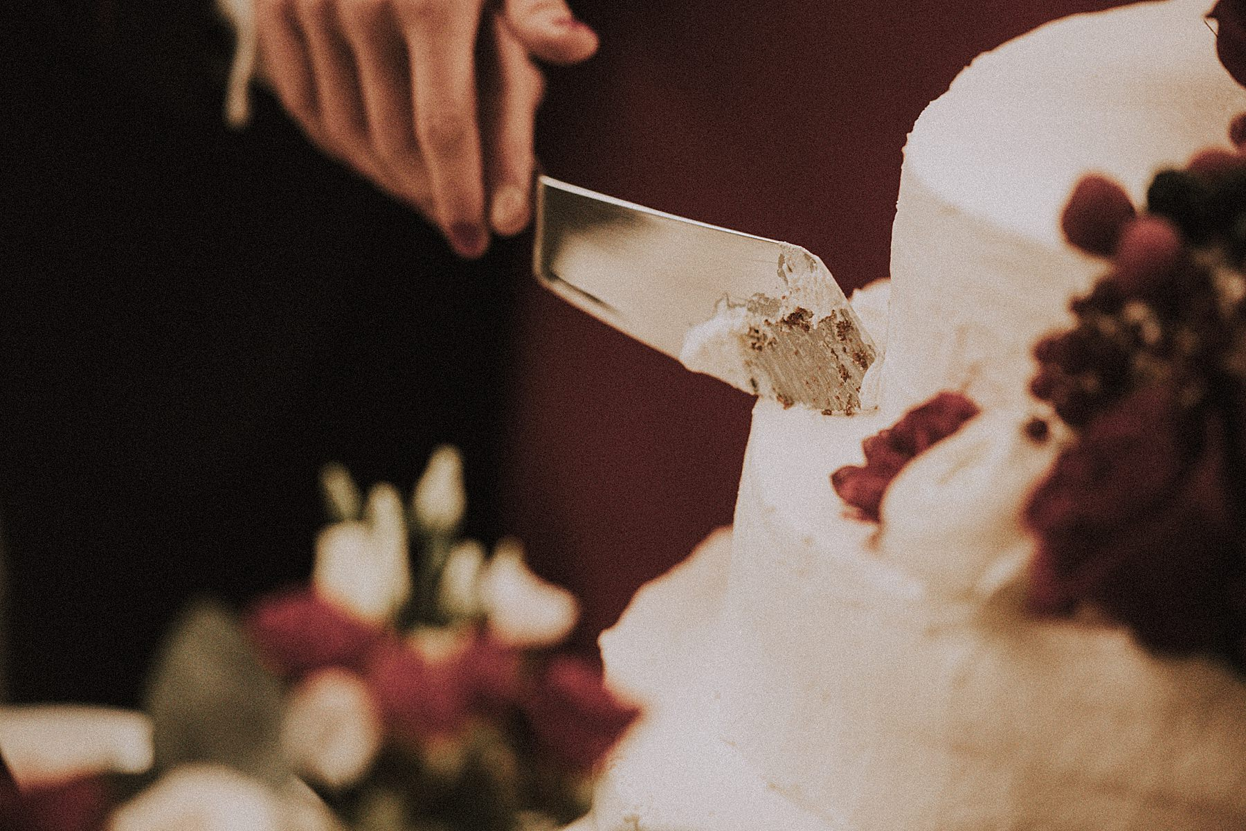 taglio della torta degli sposi