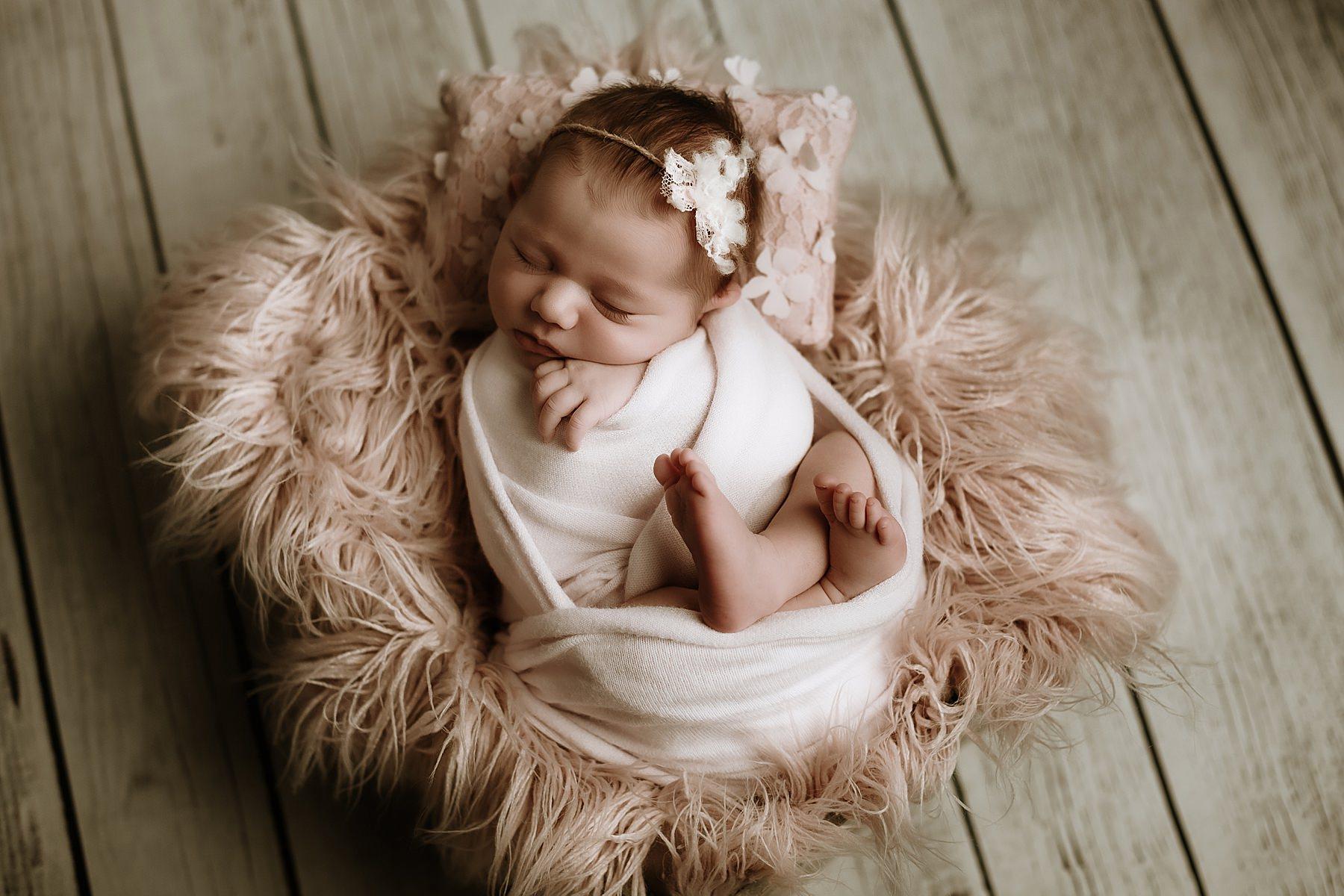 newborn photography tuscany