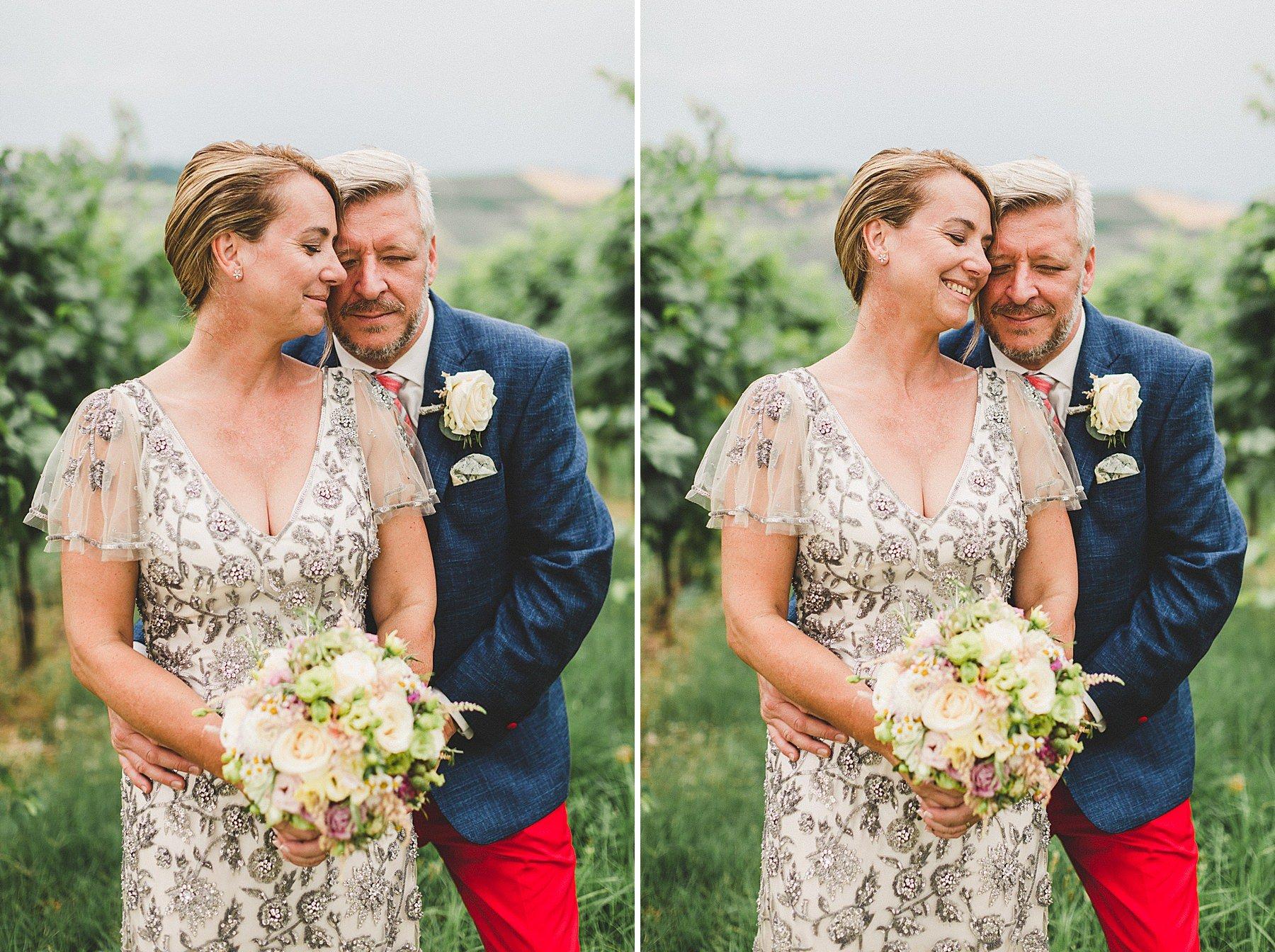 fotografie sposi in vigna dopo la cerimonia a dozza