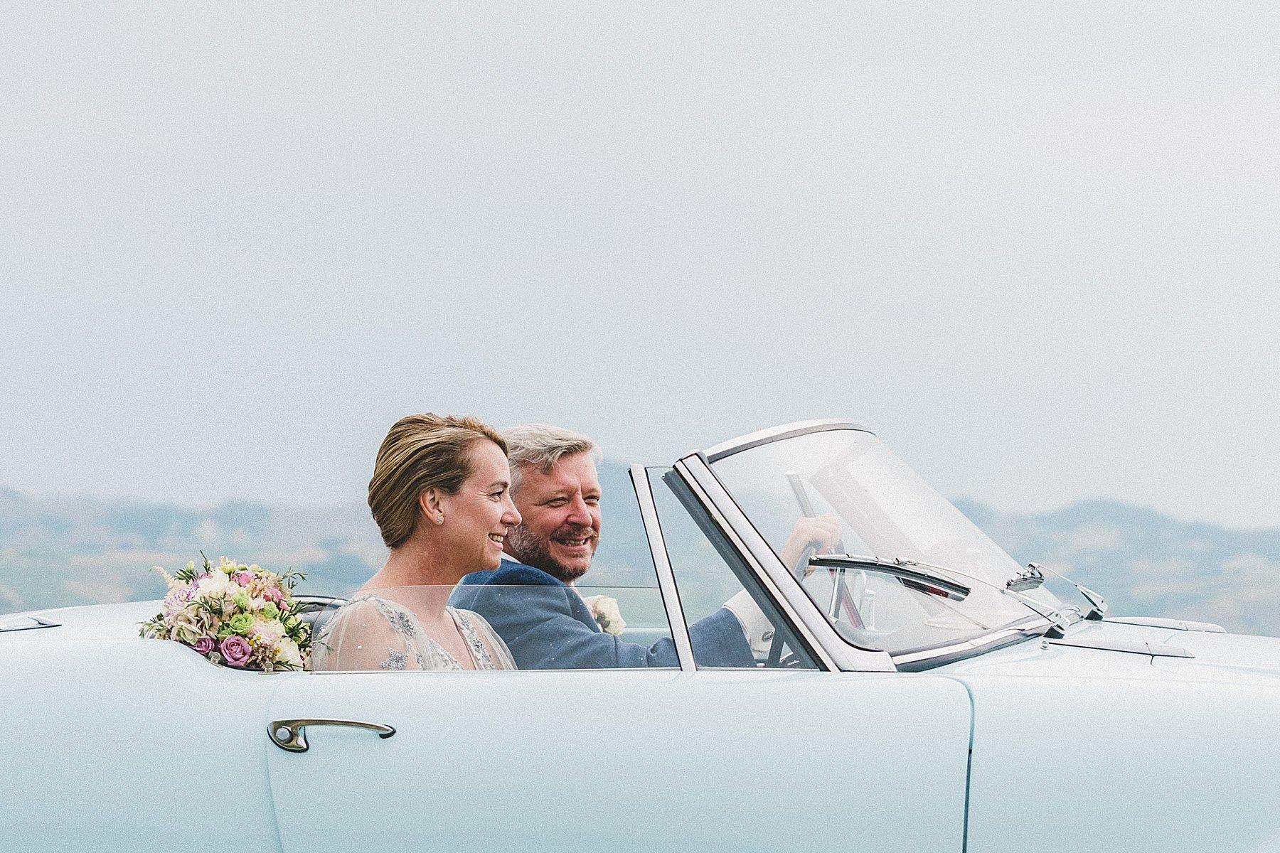 matrimonio a dozza sposi in auto d epoca