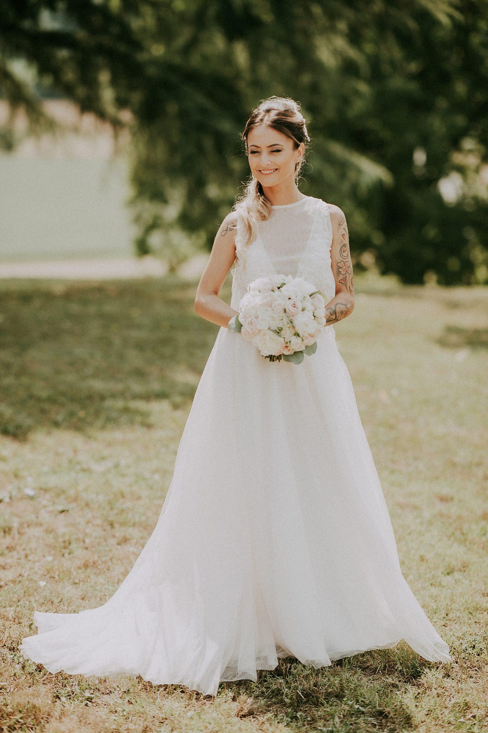 matrimonio mugello sposa con bouquet