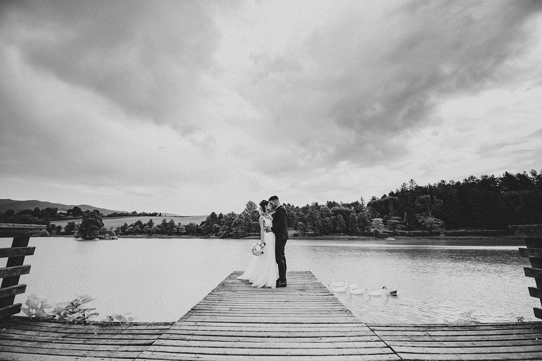 matrimonio mugello ritratti sposi al lago di vicchio