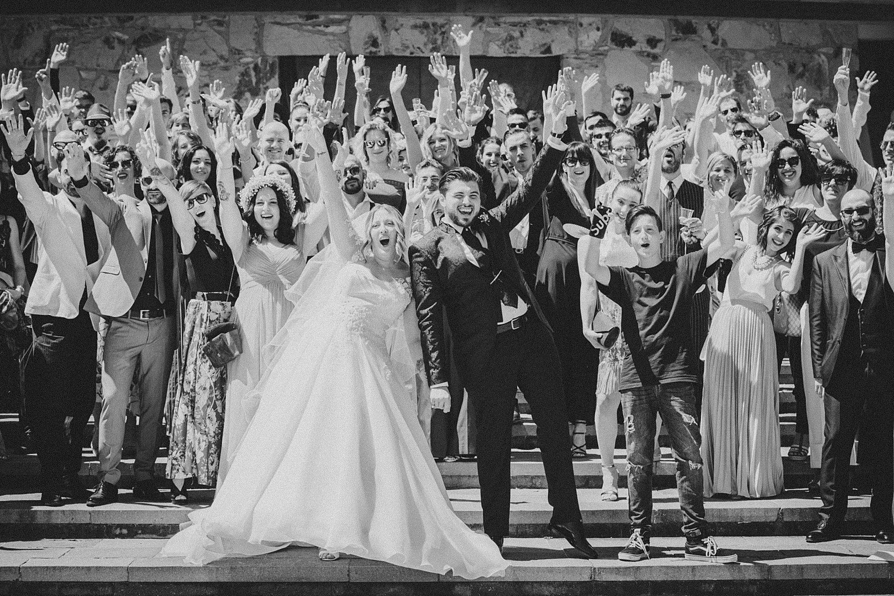 foto gruppone invitati matrimonio