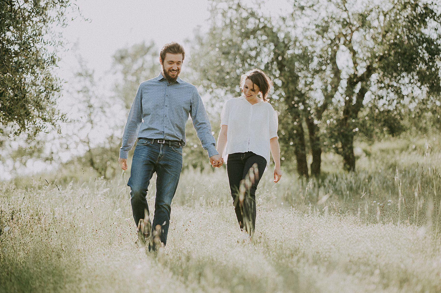 servizio fotografico di coppia con foto naturali