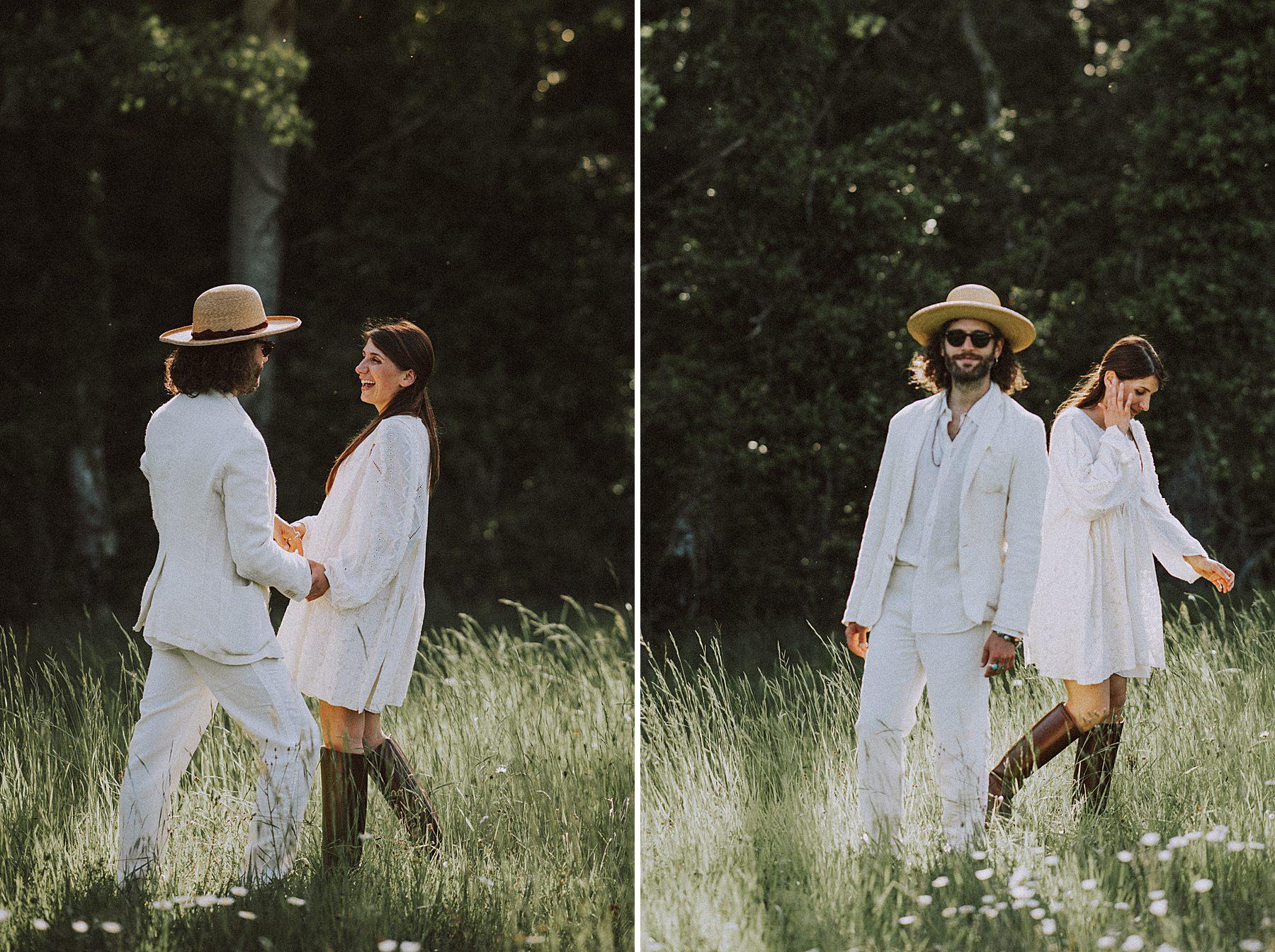 coppia di fidanzati vestiti di bianco per shooting fotografico alpaca