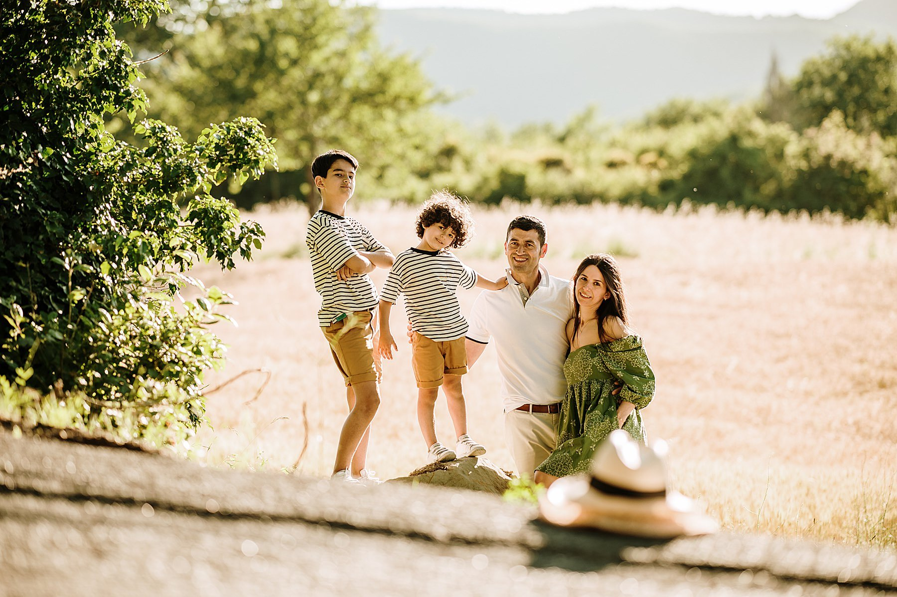 a foto di famiglia nel grano in mugello