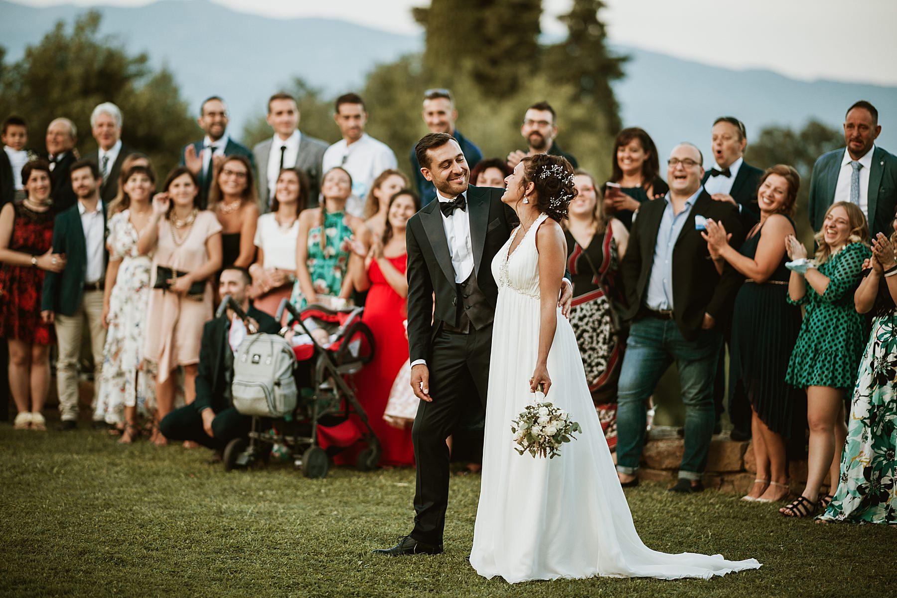 foto di gruppo con sposi matrimonio